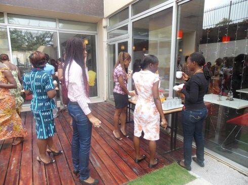 Au cours de l'une des pause-café à ibis Plateau