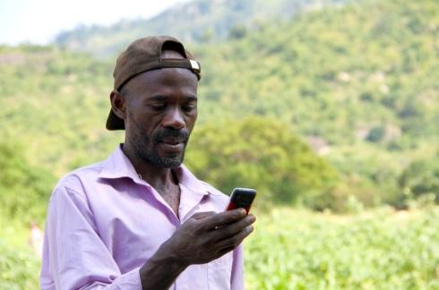 Les paysans connectés au mobile pour développer leur agriculture au nigéria