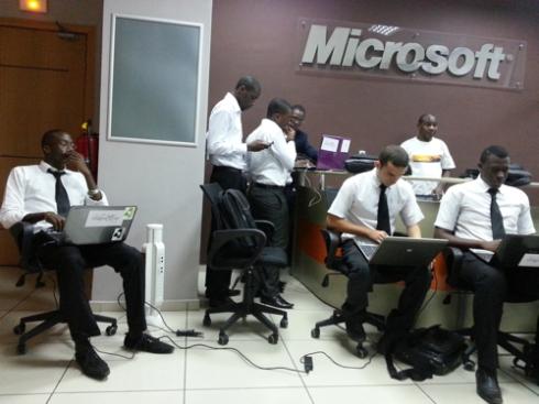 La team Kernel, gagnant de Ia finale Imagine Cup Abidjan